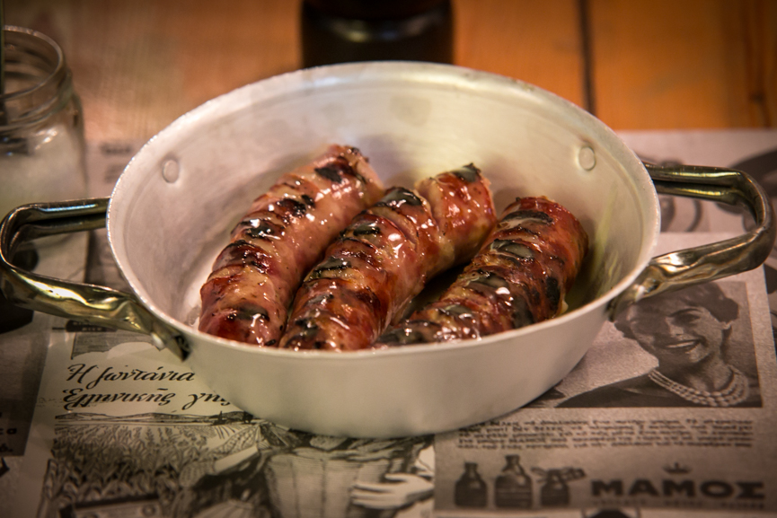 Λουκάνικο από το Καρπενήσι,γεμιστό με τραχανά και φέτα
